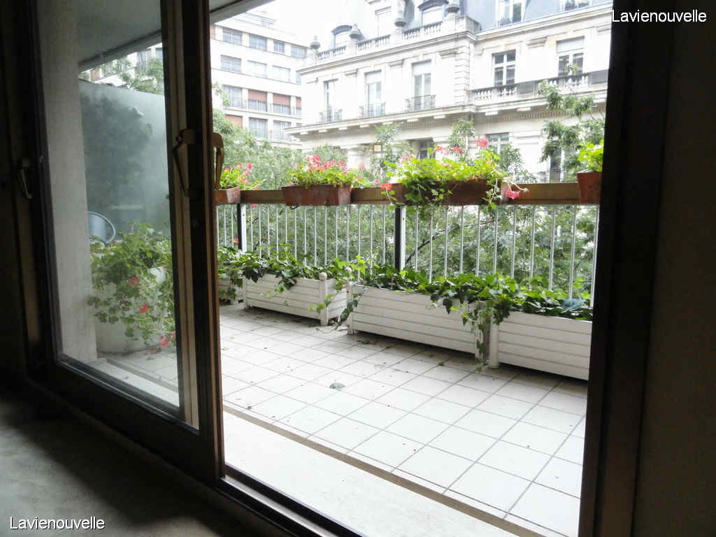 - Trocadéro-Kléber terrasse