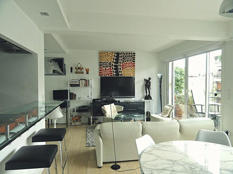 3 pièces rénové en étage avec balcon - Rue de Longchamp